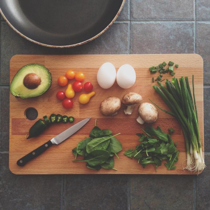 [自炊に関するアンケート結果]自炊する理由は、食費の節約のため!